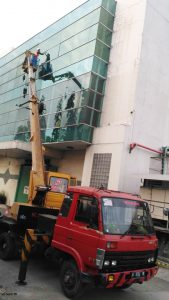 gambar mobil tangga 18 meter