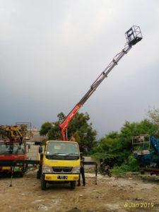 gambar mobil tangga 14 meter